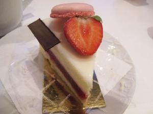 White Chocolate Cheesecake mit Erdbeergelee