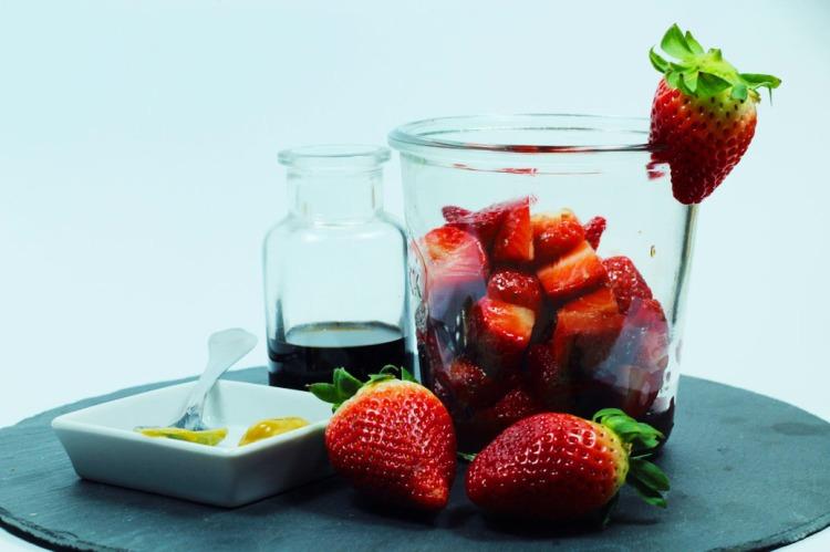 Balsamico-Senf-Erdbeeren
