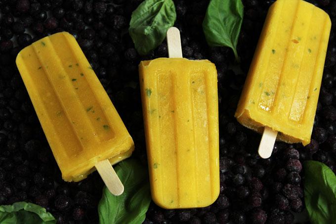 Mango-Basilikum-Eis