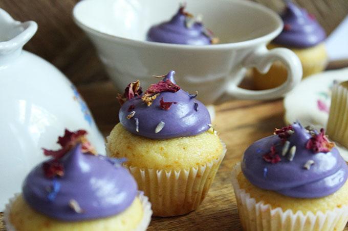 minicupcakes vanille lavendel. Black Bedroom Furniture Sets. Home Design Ideas