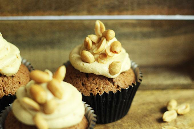 Schoko-Erdnuss-Cupcakes