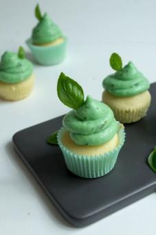 Mini Cupcakes Basil Smash mit Gin